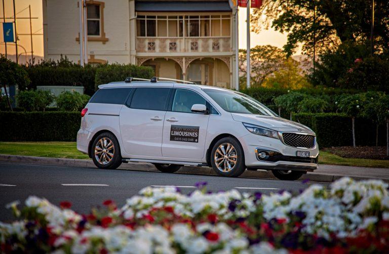 AW Limousines Kia Platinum